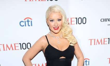 Fashion Face-Off: Christina Aguilera vs. Olivia Munn