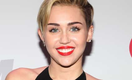 Miley Cyrus: MTV Artist of the Year!