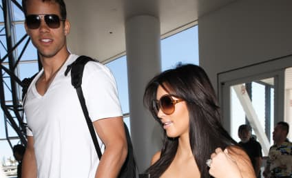Kim Kardashian and Kris Humphries Arrive in Italy