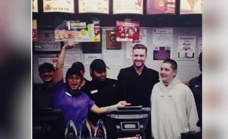 Justin Timberlake Celebrates PCA Wins with Tacos