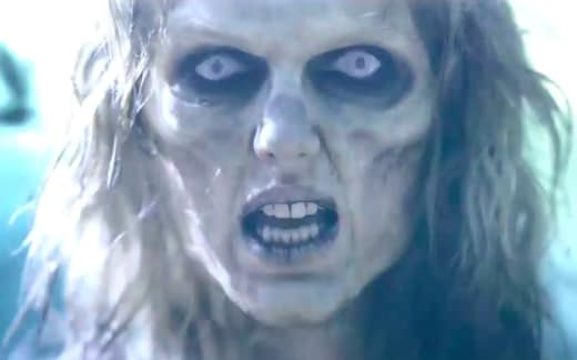 Taylor Swift as a Zombie