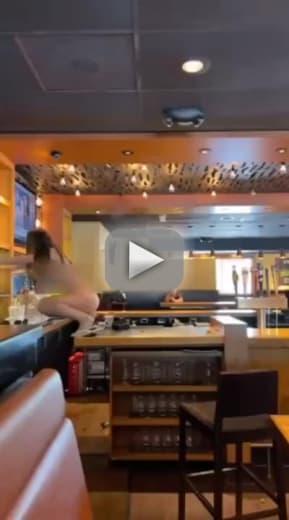 Florida-Frau zieht sich nackt aus, zerstört Outback-Steakhouse und dann ge