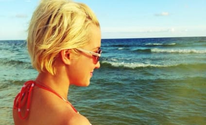 Kellie Pickler Bikini Photos Heat Up Twitter