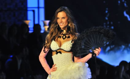 Victoria's Secret Fashion Show-Off: Alessandra Ambrosio vs. Candice Swanepoel