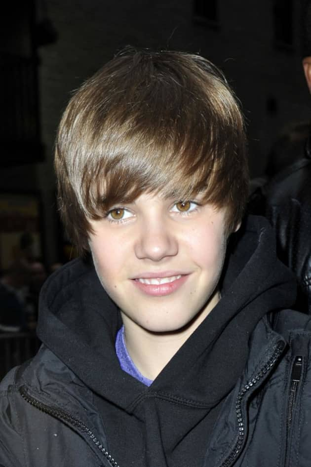 bieber fever Bieber fever lyrics: hey yo, it's me again / i'm everywhere / and i'm still rockin' / lesbian hair / i'm on your tv / i'm on your phone / i declare this world a bieber zone / i'm made of cupcakes.