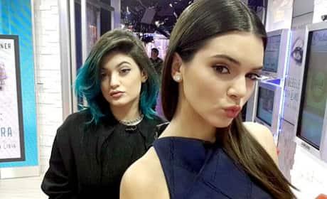 Kylie Jenner Gropes Kendall Jenner