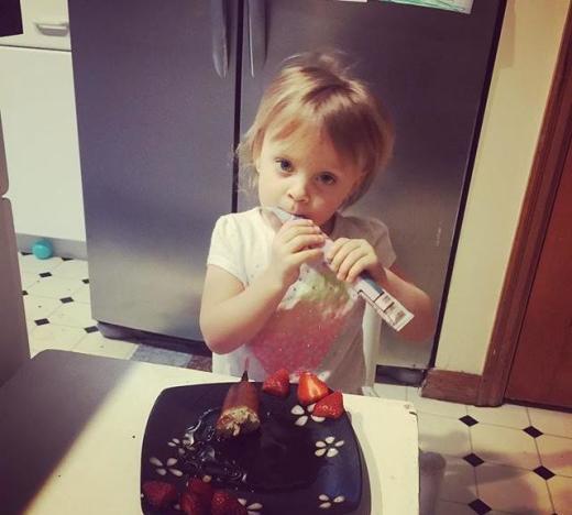 Leah Messer Feeds Her Daughter!