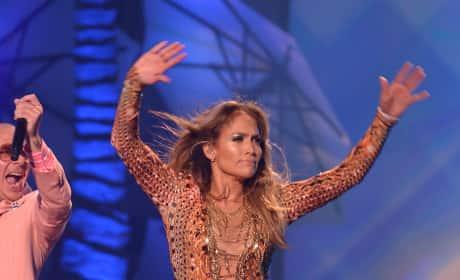 Do you hope Jennifer Lopez returns to American Idol?