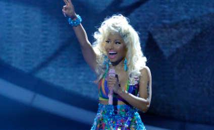 "Nicki Minaj Performs ""Starships"" on American Idol Results Show"