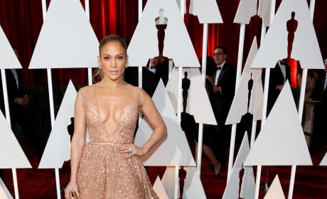 Jennifer Lopez at the 2015 Oscars
