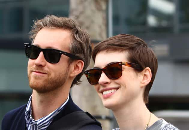Anne Hathaway, Adam Shulman