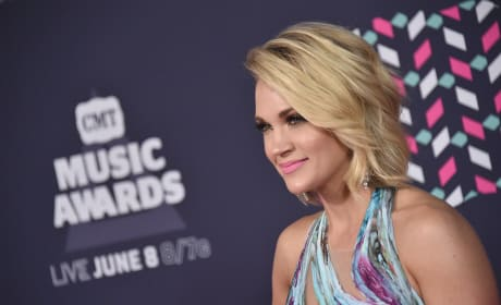 Carrie Underwood at CMT Awards 2016