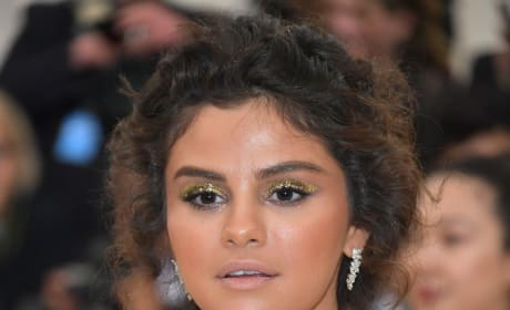 Selena Gomez: I KNOW My Makeup Was Bad. Enough Already!
