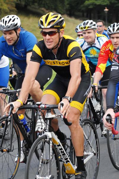 Lance Armstrong Riding