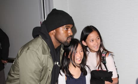 Kanye West Takes a Pic With Fans