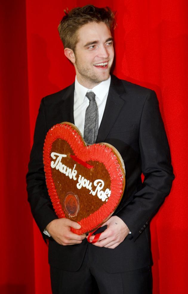 We Love Robert Pattinson