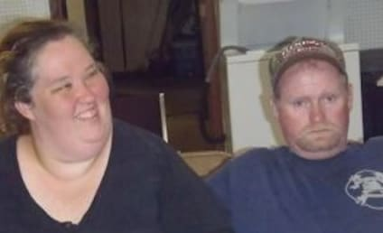 Mama June Shannon and Sugar Bear: Married (Probably)!