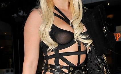 "Lady Gaga Mocks ""Skinny Bitch"" Lindsay Lohan For Eating Cucumber For Dinner"