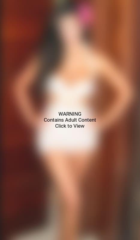 Kim Kardashian, Breasts