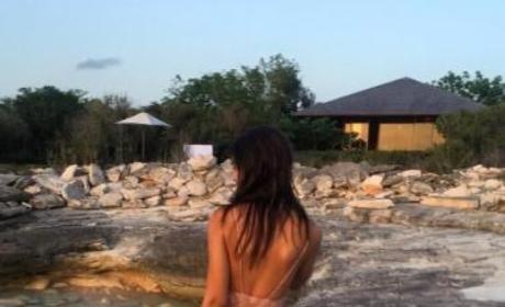 Emily Ratajkowski in a Bikini (Again!)