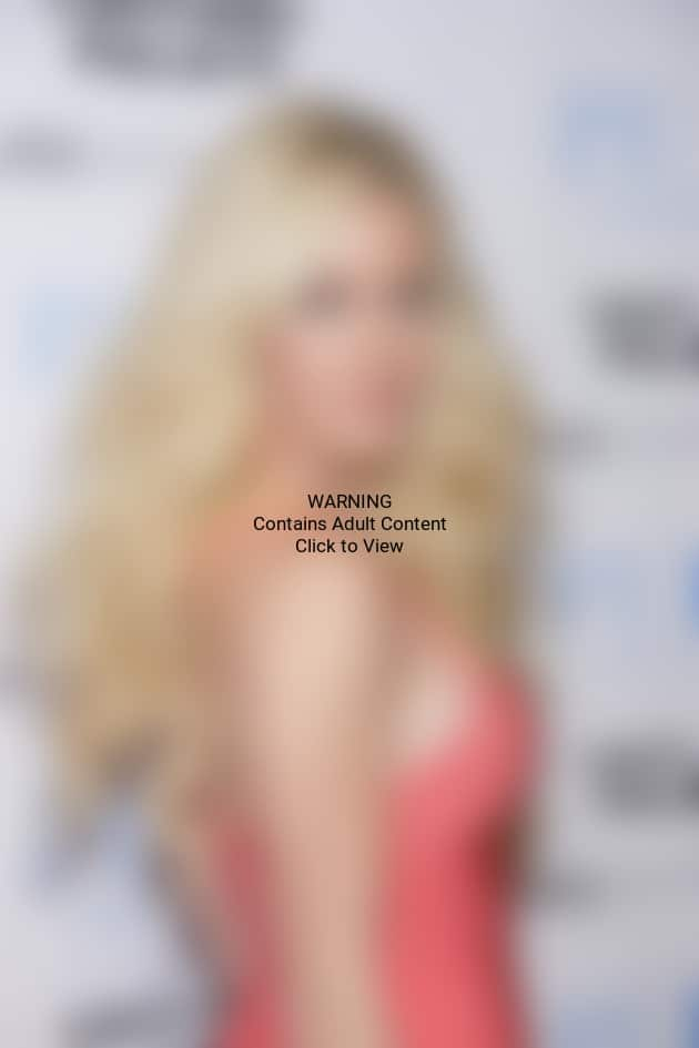 Heidi Montag Side Boobage