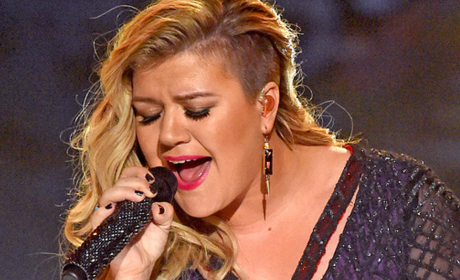 "Kelly Clarkson - ""Invincible"""