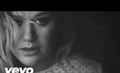 "Kelly Clarkson ""Piece by Piece"" Music Video"