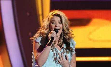 Lauren Alaina on Stage