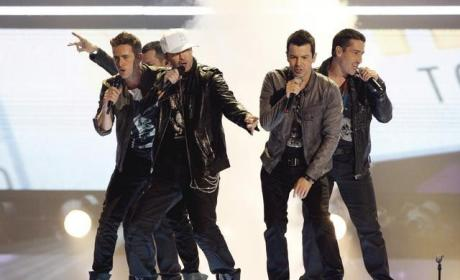 NKOTB Performance Pic