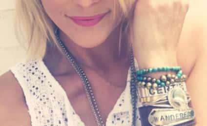 Miranda Lambert Responds to Blake Shelton Divorce… With Blonde Hair!