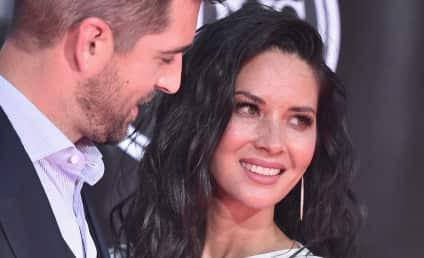 Olivia Munn Takes Shot at Aaron Rodgers' Family: Read Her Note!