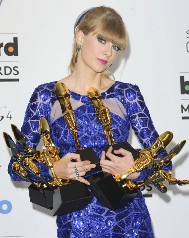 Taylor Swift Wins BIG