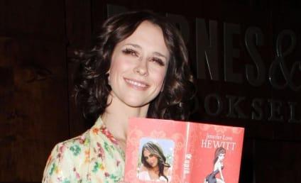 Jennifer Love Hewitt Crushes on Robert Pattinson