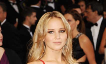 Jennifer Lawrence Confirmed as Katniss Everdeen
