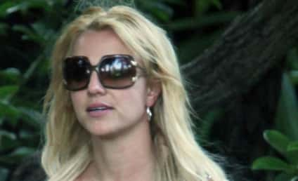 Britney Spears Wears Non-Engagement Ring Again