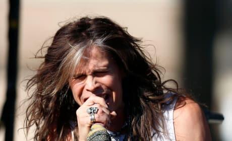 Steven Tyler Singing