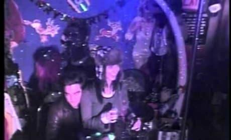 Robert Pattinson, Katy Perry Sing Karaoke
