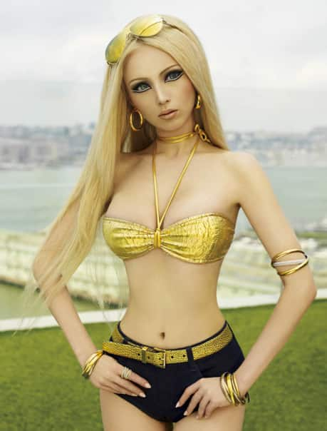 Valeria lukyanova human barbie