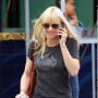 Anna Faris Grabs Coffee