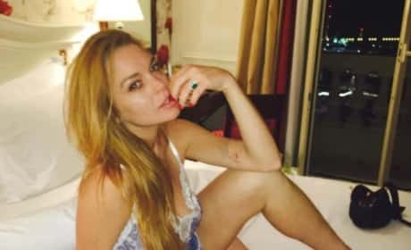 Lindsay Lohan: Sexy Pose Attempt