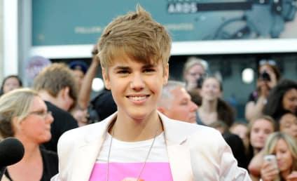 Justin Bieber: Honoring Kelly Kapowski, Ogling Selena Gomez