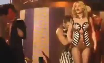 Britney Spears Lip-Syncing in Vegas: Critics Can't Believe the Obvious!