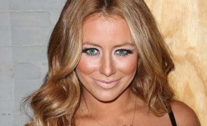 Aubrey O'Day Does What Aubrey O'Day Does Best
