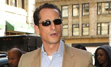 Should Anthony Weiner drop out of the race for NYC Mayor?