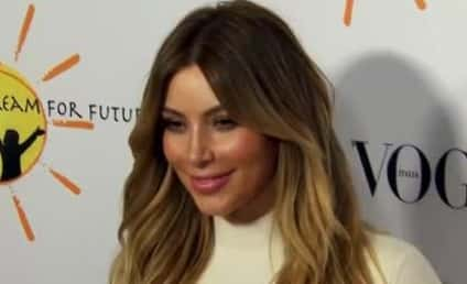Kim Kardashian Auctions Off Klothing, Gives a Whole 10% to Charity