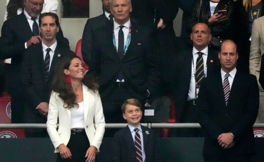 Will and Kate Watch Soccer