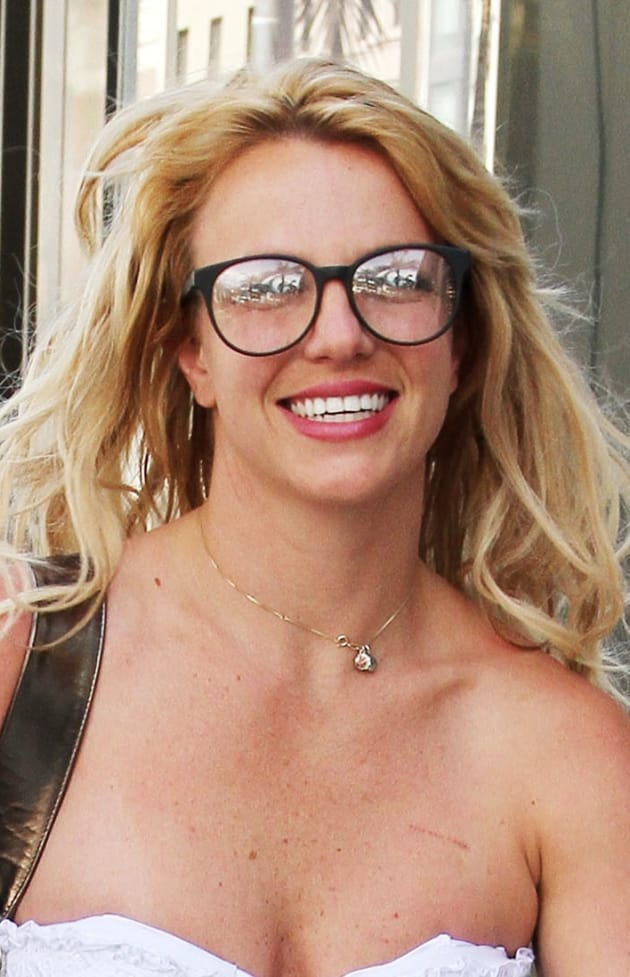 britney-spears-glasses.jpg