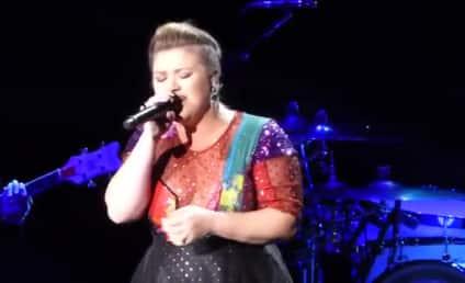 Kelly Clarkson Does Amazing Taylor Swift Impression: WATCH!