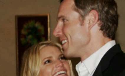 Jessica Simpson Tweets Affection for Eric Johnson
