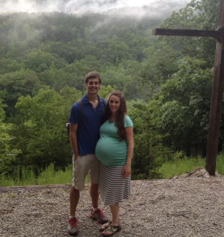 Jill Duggar: Hiking While Pregnant?!